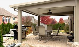 A Retractable Screen Room From TEMO Offers Flexible Outdoor Living